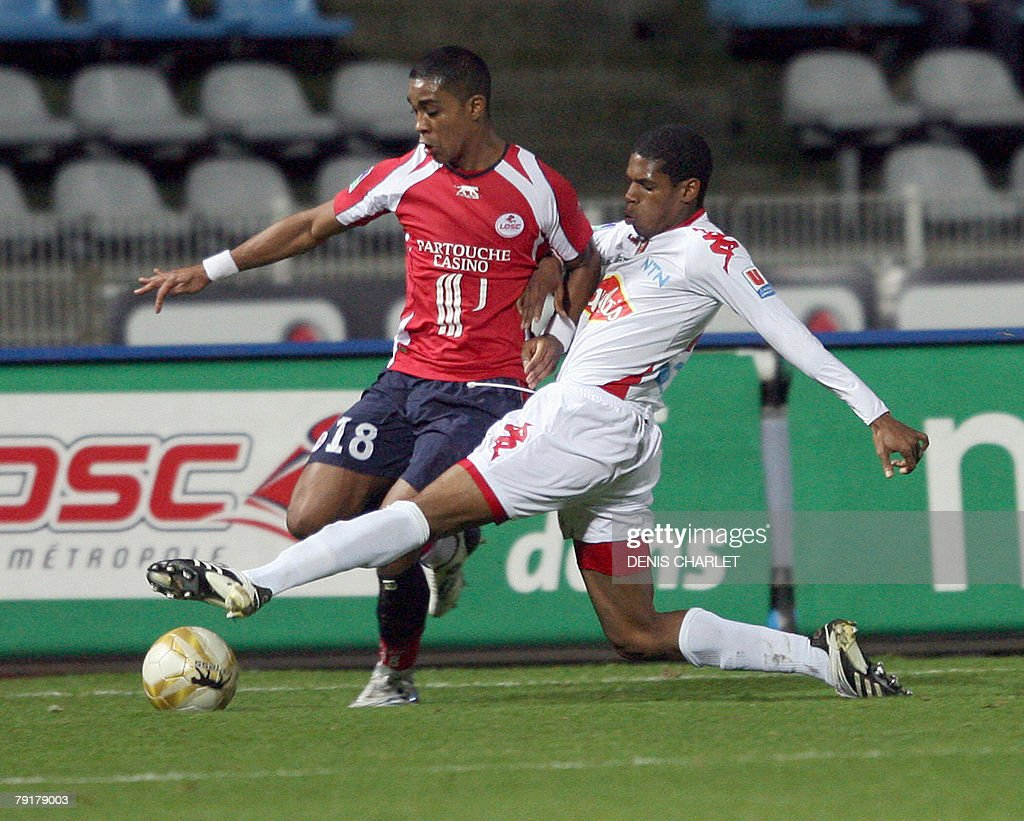 Lille's defender Franck Beria (L) vies with Le mans's defender Geder Malta during the French L1 football match Lille vs. Le Mans, 23 January 2008 at Lille metropole stadium in Villeneuve-d'Ascq.