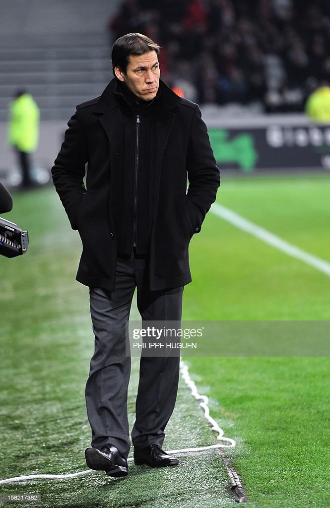 Lille's French head coach Rudi Garcia looks his players during the French L1 football match Lille vs Toulouse on December 11, 2012 at the Grand Stade Stadium in Villeneuve d'Ascq.