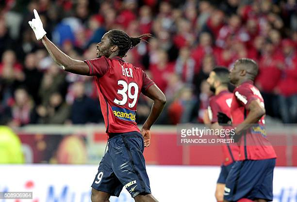 Lille's Portuguese forward Eder celebrates after scoring a goal during the French L1 football match between Lille and Rennes on February 7 2016 at...