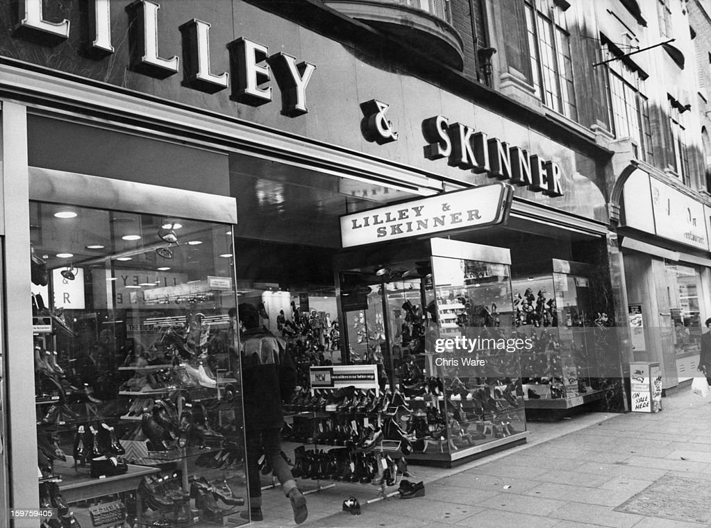 Lilley & Skinner : News Photo