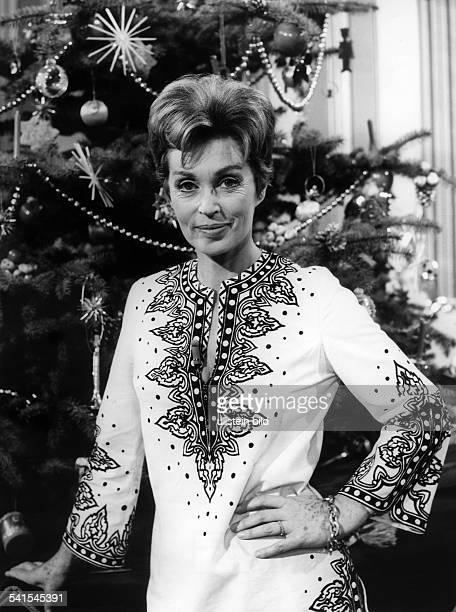 Lilli Palmer * Actress Germany in the tv show Eine Frau bleibt eine Frau director Alfred Wiedenmann Germany 1972