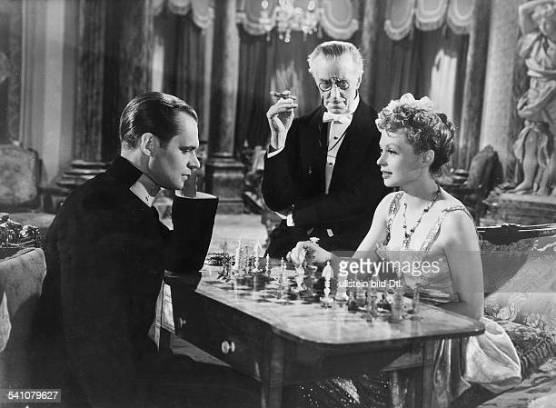 Lilli Palmer, *-+, Actress, Germany - with Albert Lieven and Ernest Thesuger in the film 'Beware of Pitty', director: Maurice Elvery - GB, 1946