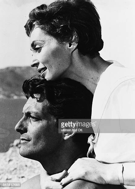 Lilli Palmer * Actress Germany with her husband Carlos Thompson at the shooting of the film Between Time and Eternity 1957