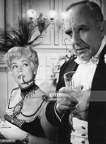 "Lilli Palmer, *-+, Actress, Germany - with O.E. Hasse in the film ""Frau Warrens Gewerbe"", director: Akos Rathonyi - Germany, 1959"