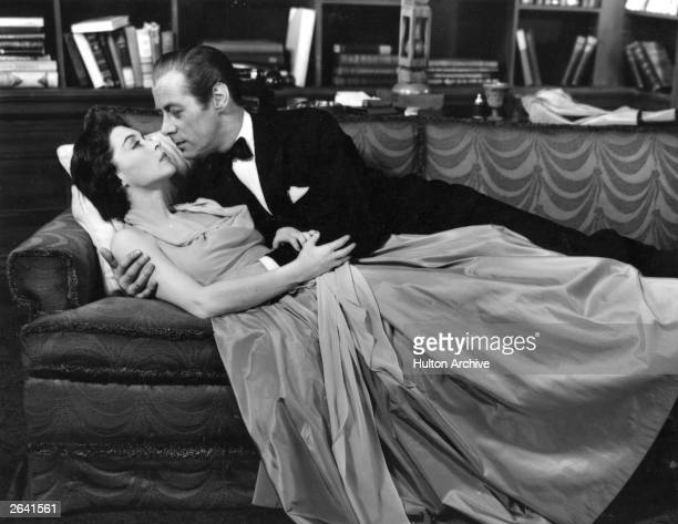 Lilli Palmer in the stage production of 'Bell Book and Candle' with English actor Rex Harrison Original Publication People Disc HN0294