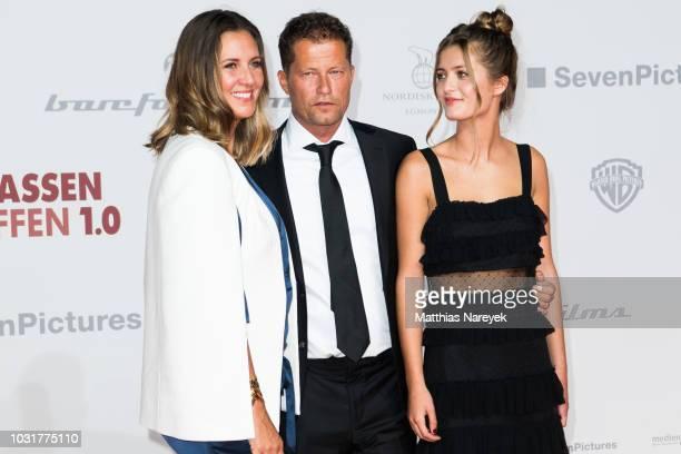Lilli Schweiger Til Schweiger and Dana Schweiger attend the premiere of the film 'Klassentreffen 10 Die unglaubliche Reise der Silberruecken' at...
