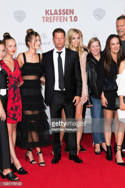 Lilli Schweiger Til Schweiger and members of the cast attend the premiere of the film 'Klassentreffen 10 Die unglaubliche Reise der Silberruecken' at...