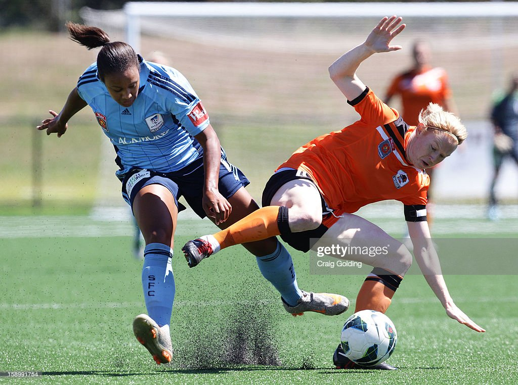 Lillie Billson of Sydney and Clare Polkinghorne of the roar in action during the round 11 W-League match between Sydney FC and the Brisbane Roar on January 5, 2013 in Sydney, Australia.