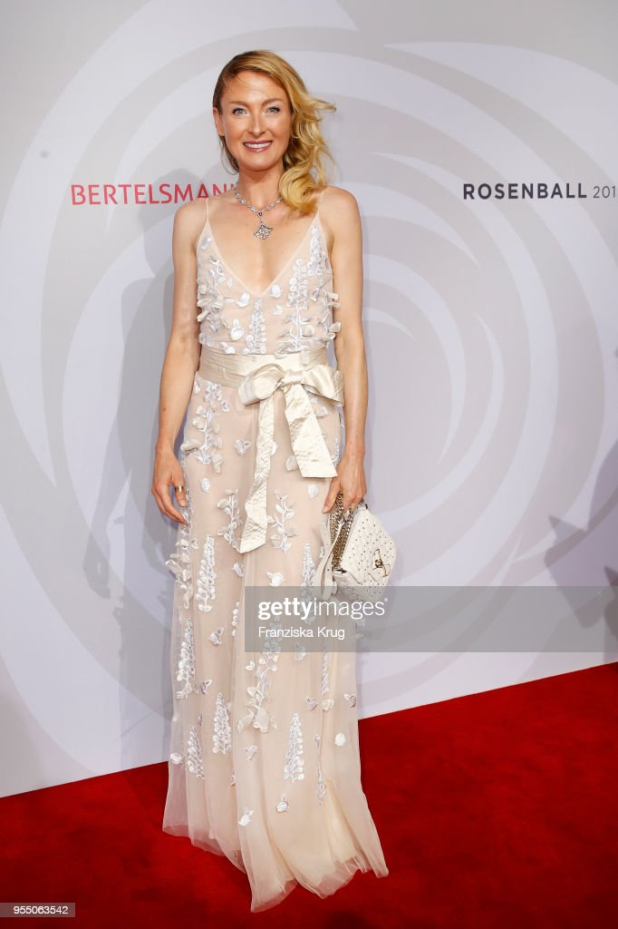 https://media.gettyimages.com/photos/lilly-zu-saynwittgensteinberleburg-attends-the-rosenball-charity-at-picture-id955063542