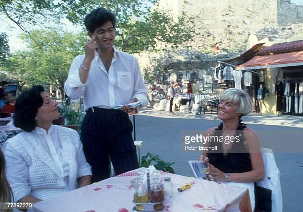 Lilo Kramm Name auf Wunsch Rhodos Dodekanes Griechen land Europa Urlaub Restaurant StraßenCafe Kellner MW /LG