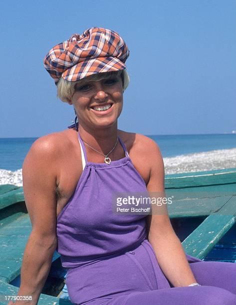 Lilo Kramm Rhodos Dodekanes Griechenland Europa Urlaub Strand Meer Ozean Mütze Boot MW/LG