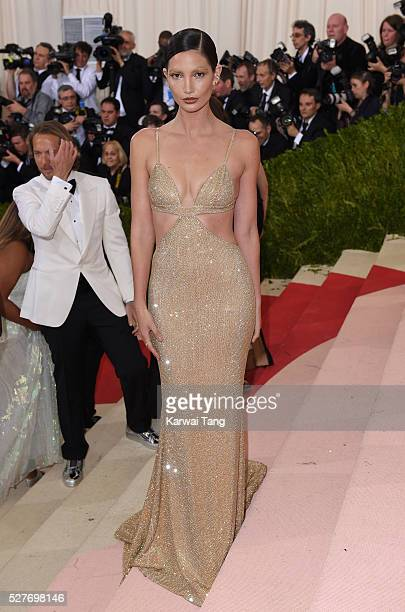 Lily Aldridge arrives for the 'Manus x Machina Fashion In An Age Of Technology' Costume Institute Gala at Metropolitan Museum of Art on May 2 2016 in...