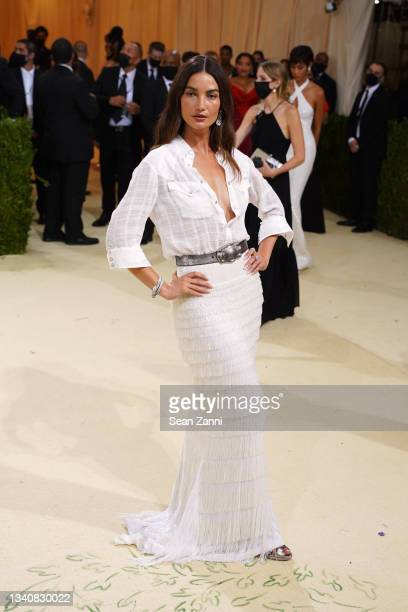 Lily Aldridge attends 2021 Costume Institute Benefit - In America: A Lexicon of Fashion at the Metropolitan Museum of Art on September 13, 2021 in...
