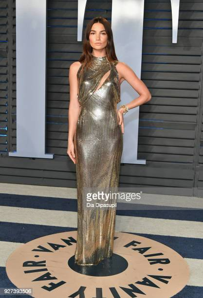 Lily Aldridge attends the 2018 Vanity Fair Oscar Party hosted by Radhika Jones at Wallis Annenberg Center for the Performing Arts on March 4 2018 in...