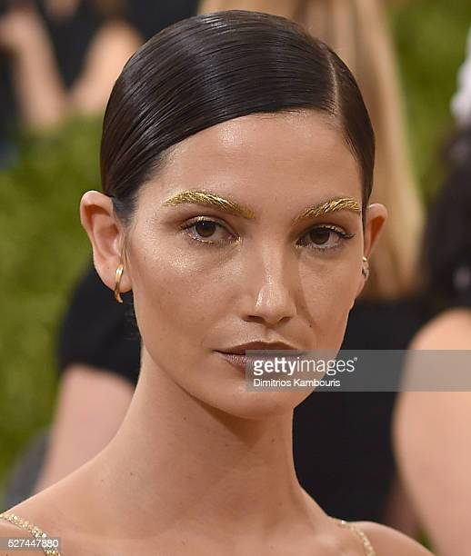 Lily Aldridge attends the 'Manus x Machina Fashion In An Age Of Technology' Costume Institute Gala at Metropolitan Museum of Art on May 2 2016 in New...