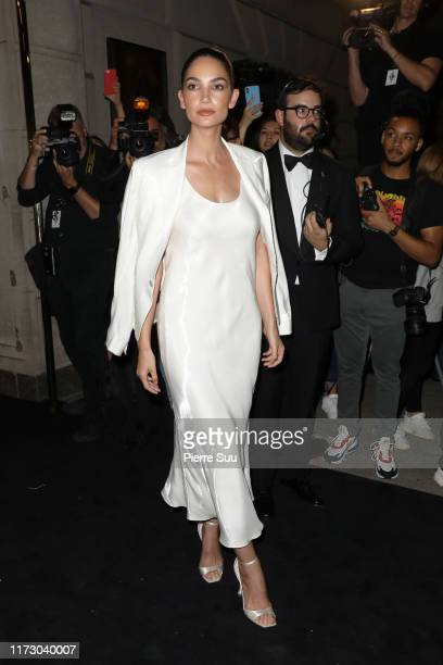 Lily Aldridge attends the Ralph Lauren Fashion Show Arrivals during New York Fashion Week on September 07, 2019 in New York City.