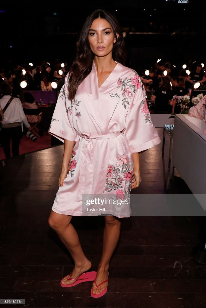 Lily Aldridge prepares for the 2017 Victoria's Secret Fashion Show in hair and make-up on November 20, 2017 at Mercedes-Benz Arena in Shanghai, China.
