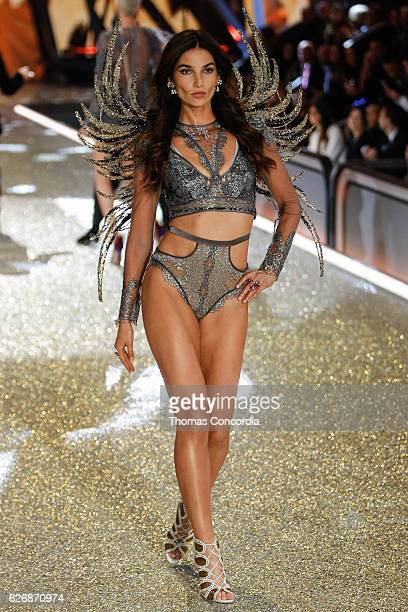 Lily Aldridge walks the runway during the 2016 Victoria's Secret Fashion Show at the Grand Palais in Paris on November 30 2016 in Paris France