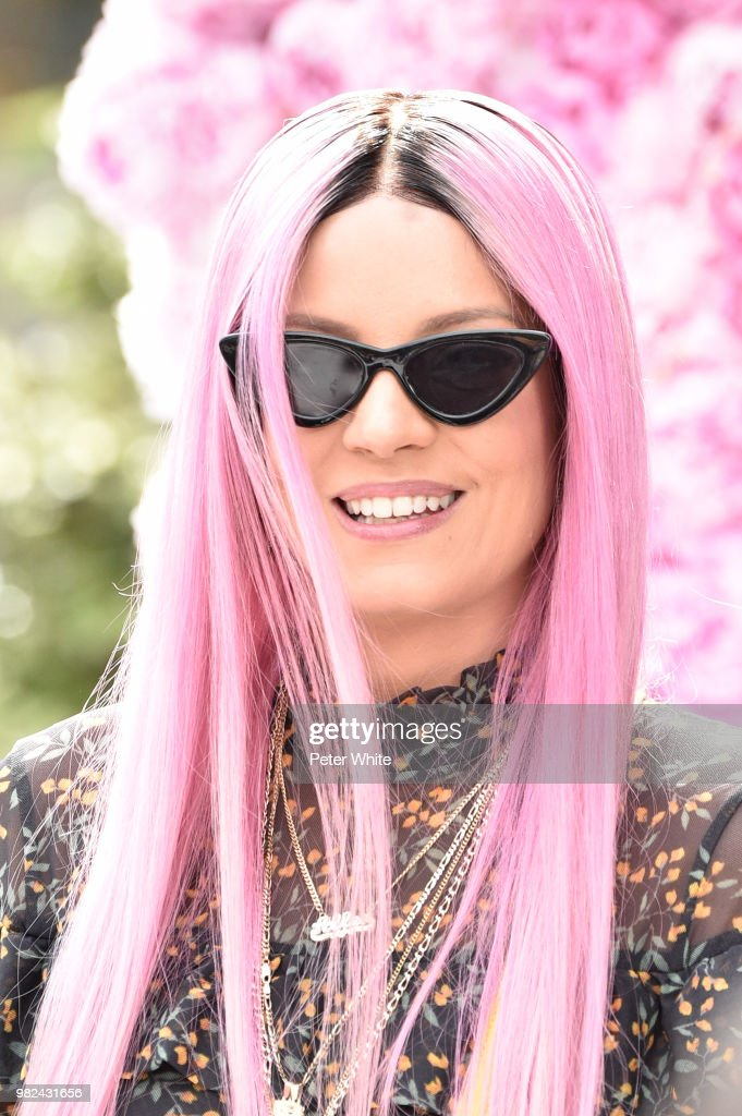 Lily Allen attends the Dior Homme Menswear Spring/Summer 2019 show as part of Paris Fashion Week on June 23, 2018 in Paris, France.