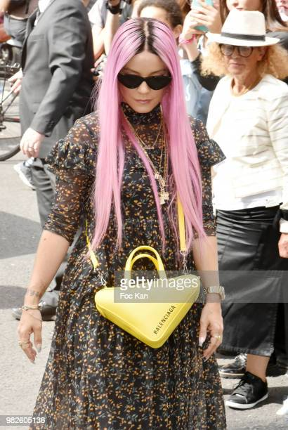 Lily Allen attends the Dior Homme Menswear Spring/Summer 2019 show as part of Paris Fashion Week on June 23 2018 in Paris France