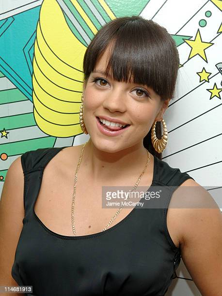 Lily Allen during Good Charlotte Lily Allen Miley Cyrus and Three 6 Mafia Visit MTV's 'TRL' February 9 2007 at MTV Studios in New York City New York...