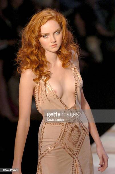 Lily Cole wearing Amanda Wakeley Spring/Summer 2006