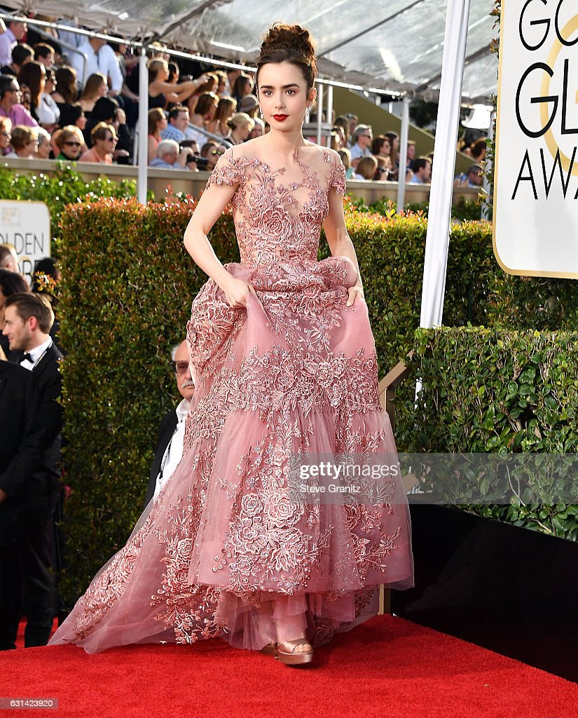 Lily Collins arrives at the 74th Annual Golden Globe Awards at The Beverly Hilton Hotel on January 8, 2017 in Beverly Hills, California.