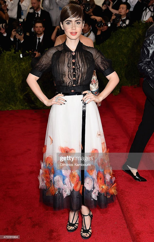 """""""China: Through The Looking Glass"""" Costume Institute Benefit Gala - Arrivals : News Photo"""