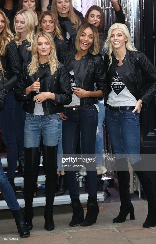 2014 Victoria's Secret Fashion Show - Photocall : News Photo
