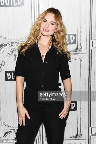 8 851 Lily James Bilder Und Fotos Getty Images