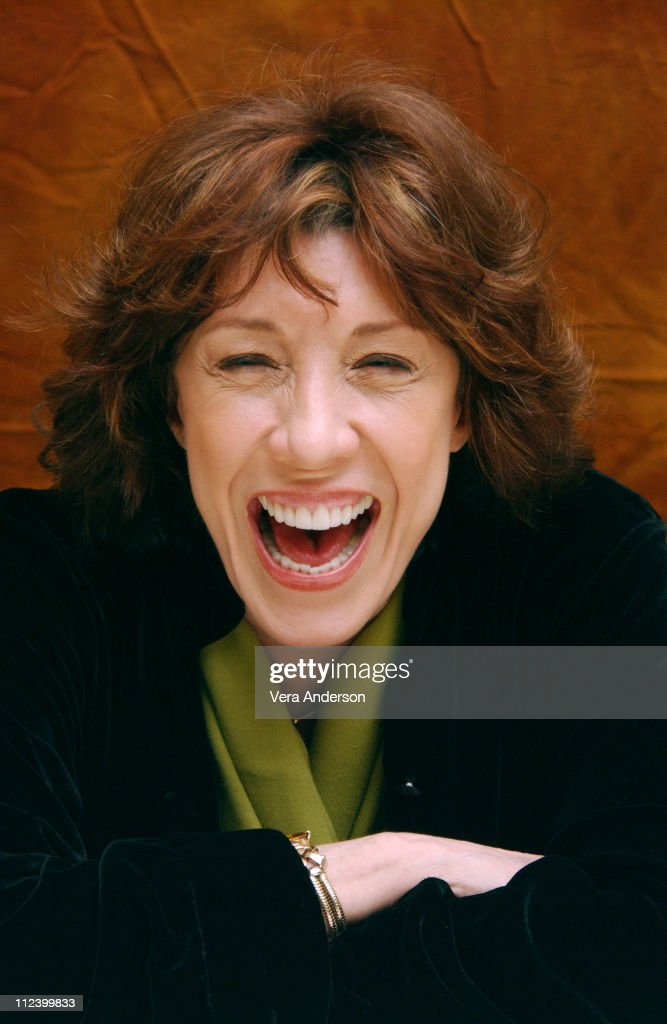 """I Heart Huckabees"" Press Conference with Dustin Hoffman and Lily Tomlin"