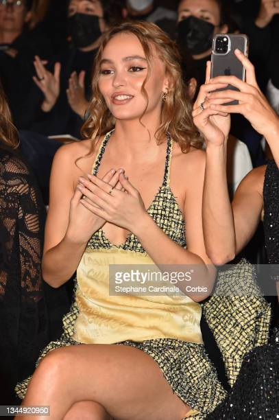 Lily-Rose Depp attends the Chanel Womenswear Spring/Summer 2022 show as part of Paris Fashion Week on October 05, 2021 in Paris, France.