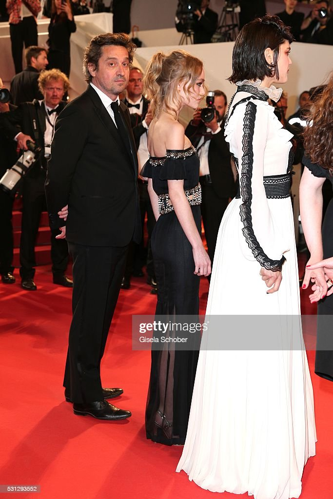 Lily-Rose Depp, daughter of Johnny Depp, (C) attends the 'I, Daniel Black (Moi, Daniel Black)' premiere during the 69th annual Cannes Film Festival at the Palais des Festivals on May 13, 2016 in Cannes, France.