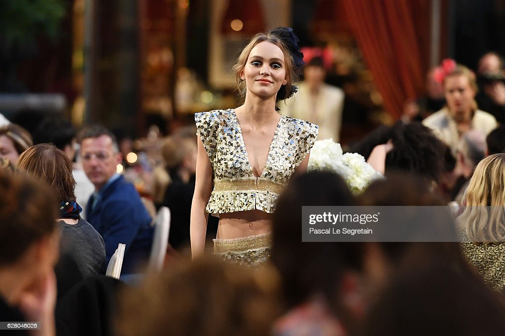 Lily-Rose Depp walks the runway during 'Chanel Collection des Metiers d'Art 2016/17 : Paris Cosmopolite' show on December 6, 2016 in Paris, France.