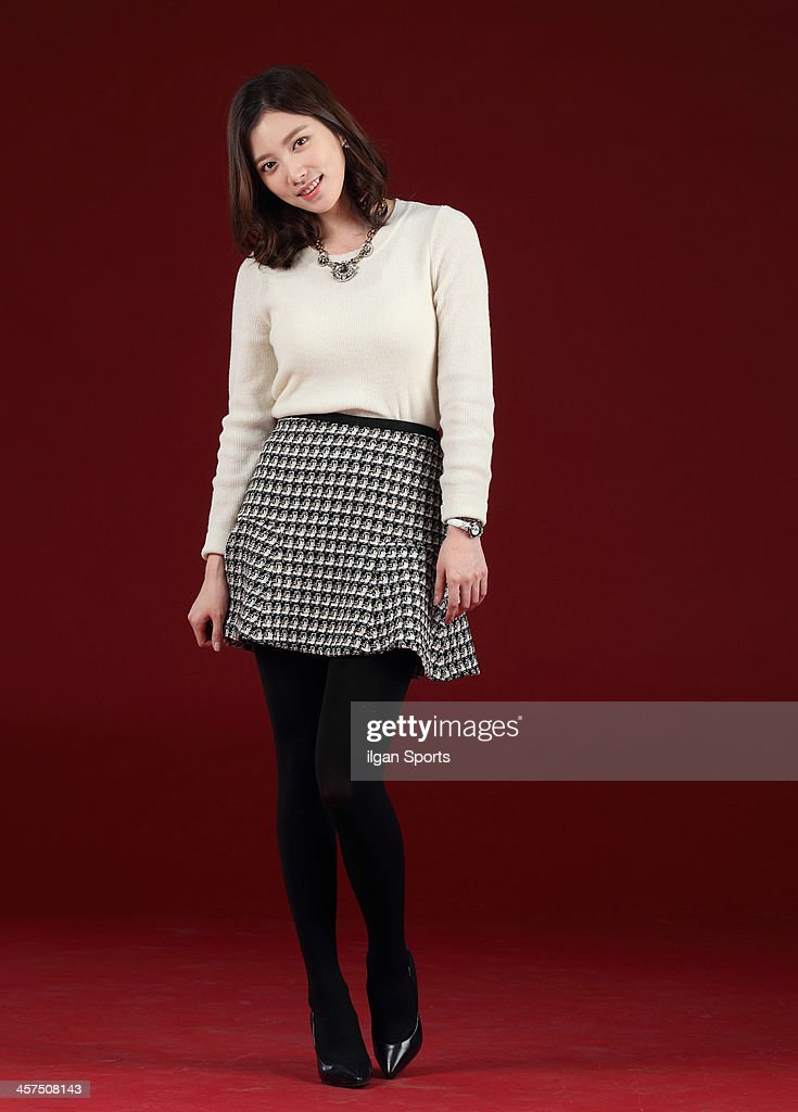 https://media.gettyimages.com/photos/lim-jueun-poses-for-photographs-on-december-17-2013-in-seoul-south-picture-id457508143