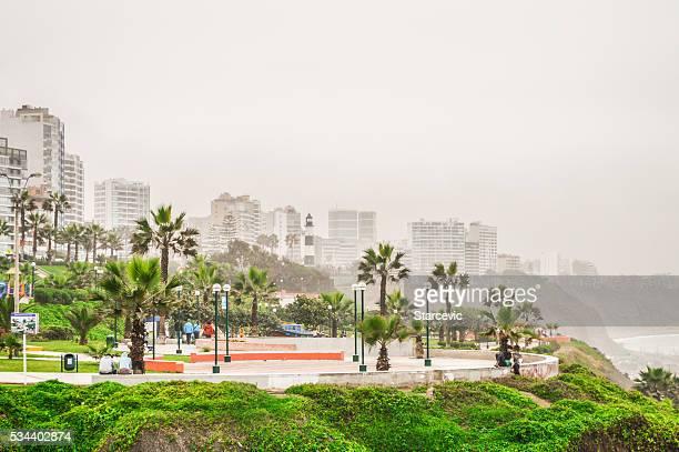 Lima, Pérou-la magnifique côte dans le quartier Miraflores