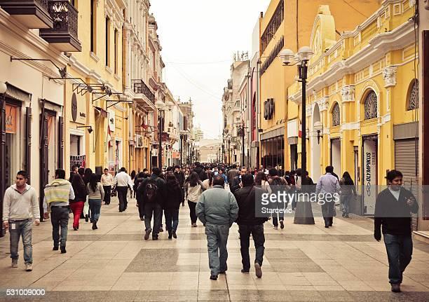 lima, perú-jiron de la unión, la calle comercial - lima peru fotografías e imágenes de stock