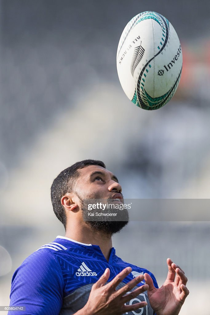 Lima Sopoaga of the All Blacks catches a ball during a New Zealand All Blacks training session on September 15, 2016 in Christchurch, New Zealand.