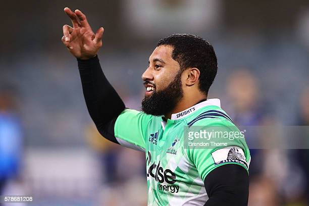 Lima Sopoaga of the Highlanders celebrates victory following the Super Rugby Quarterfinal match between the Brumbies and the Highlanders at GIO...