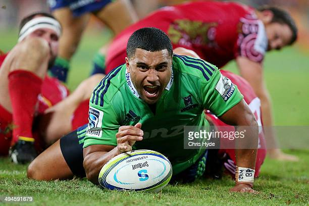 Lima Sopoaga of the Highlanders scores a try during the round 16 Super Rugby match between the Reds and the Highlanders at Suncorp Stadium on May 30...