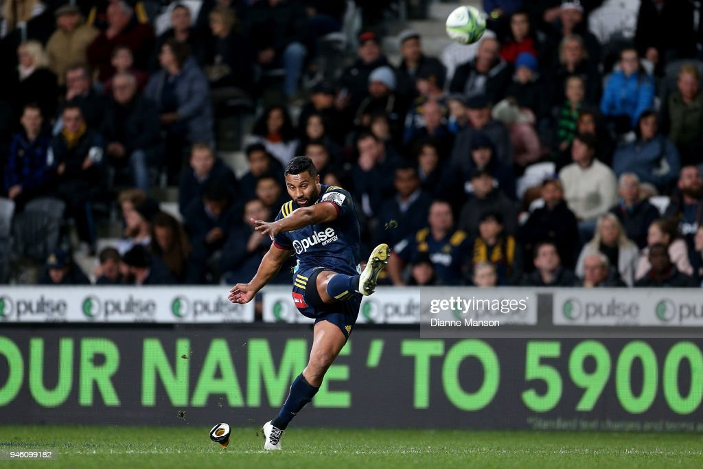 Lima Sopoaga of the Highlanders takesa kick during the round nine Super Rugby match between the Highlanders and the Brumbies at Forsyth Barr Stadium on April 14, 2018 in Dunedin, New Zealand.