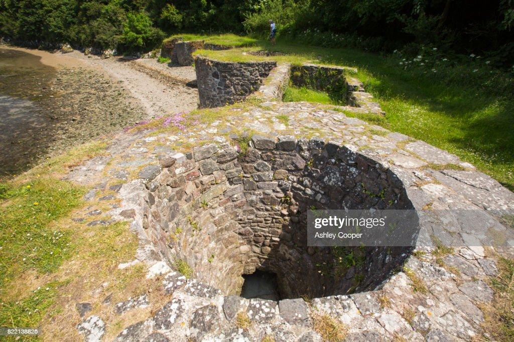 Lime kilns in solva Harbour, Pembrokeshire, Wales, UK. : Stock Photo