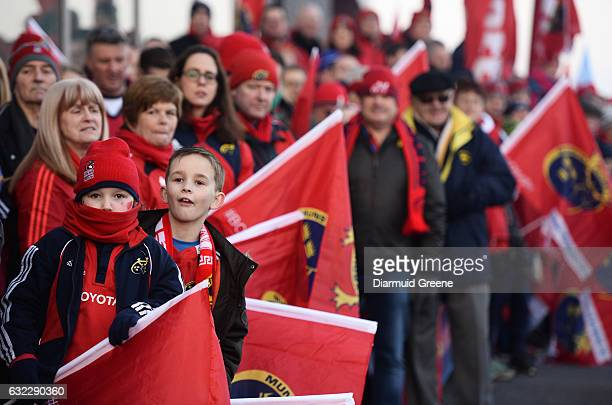 Limerick Ireland 21 January 2017 Munster supporters await the arrival of the team buses ahead of the European Rugby Champions Cup Pool 1 Round 6...