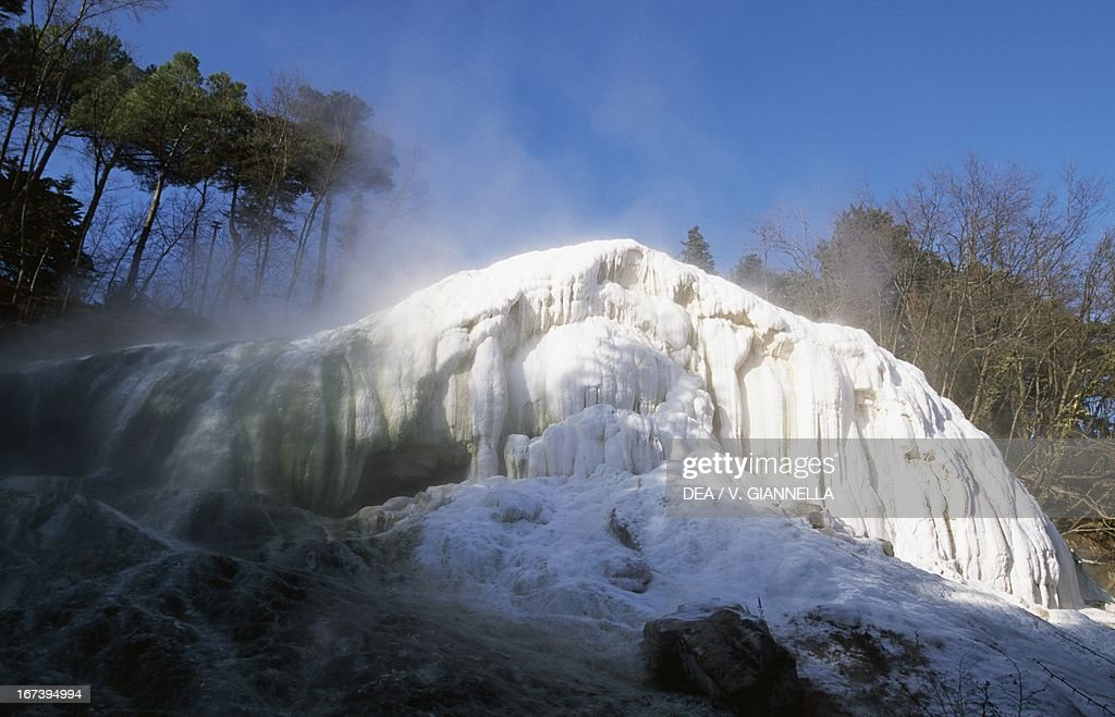 https://media.gettyimages.com/photos/limestone-waterfall-bagni-san-filippo-val-dorcia-tuscany-picture-id167394994