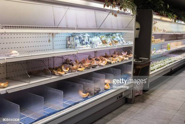 Groovy 14 Empty Grocery Shelves As Stores Ordered To Cut Prices Home Remodeling Inspirations Genioncuboardxyz