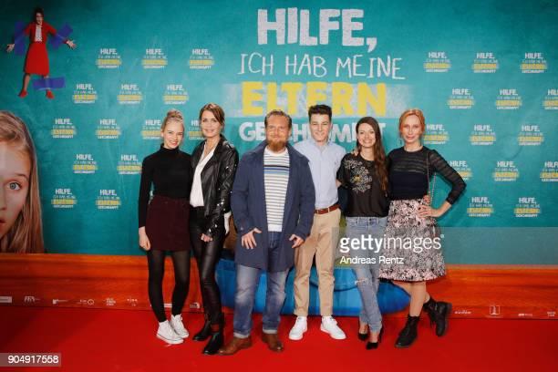Lina Hueesker Anja Kling Axel Stein Oskar Keymer Julia Hartmann and Andrea Sawatzki attend the premiere of 'Hilfe ich hab meine Eltern geschrumpft'...