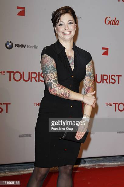 """Lina Van De Mars Bei Der Premiere Des Films """"The Tourist"""" Im Cinestar Am Sony Center In Berlin ."""