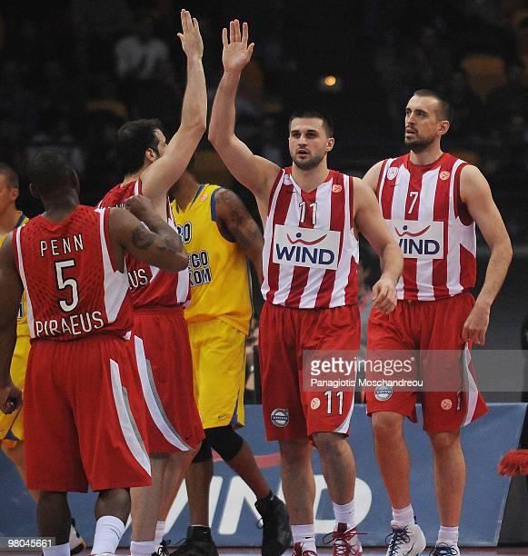 Linas Kleiza of Olympiacos Piraeus reacts during the Euroleague Basketball 20092010 Play Off Game 2 between Olympiacos Piraeus vs Asseco Prokom...