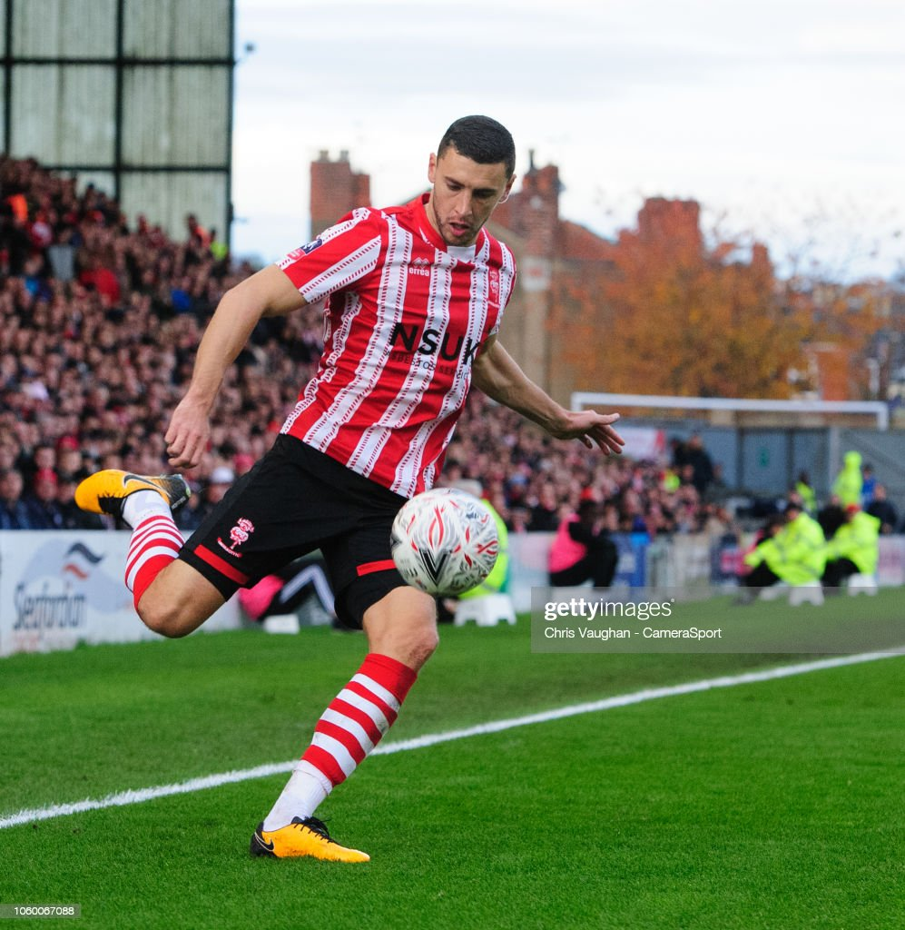 Lincoln City v Northampton Town - FA Cup First Round : Nieuwsfoto's