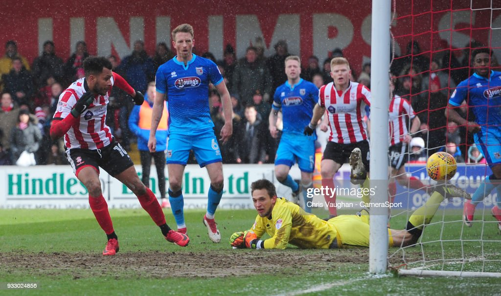Lincoln City v Grimsby Town - Sky Bet League Two
